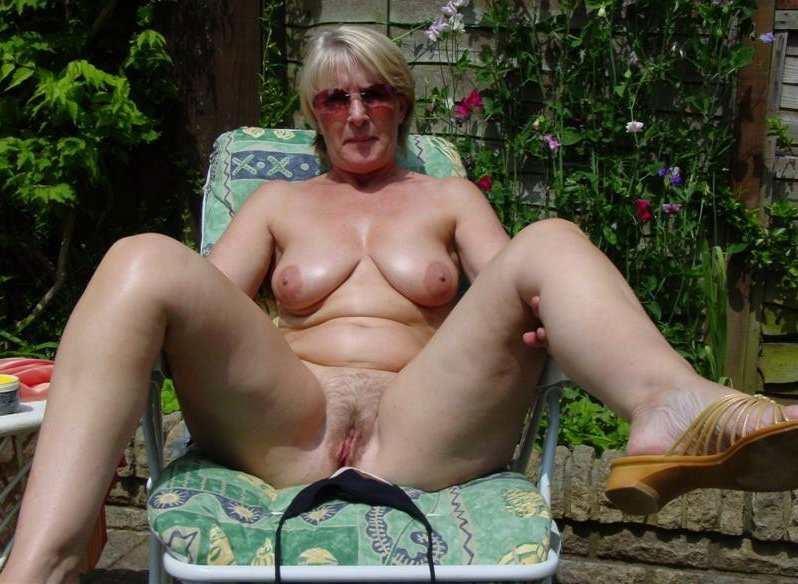 mature sans culotte escort besancon